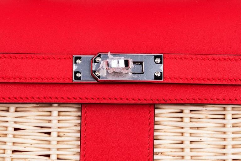 Women's or Men's Hermes Mini Picnic Kelly Bag Rouge de Coeur 20cm For Sale
