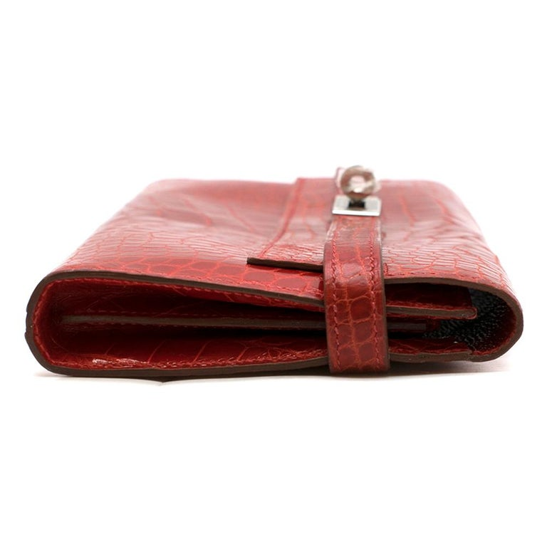Hermes Mississippiensis Braise Kelly Classic Wallet In Good Condition For Sale In London, GB