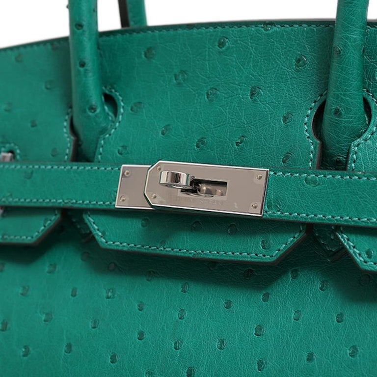 Hermes NEW Birkin 30 Kelly Green Ostrich Exotic Skin Top Handle Satchel Bag In New Condition In Chicago, IL