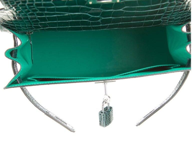 Women's Hermes NEW Kelly 28 Green Alligator Exotic Top Handle Shoulder Bag in Box
