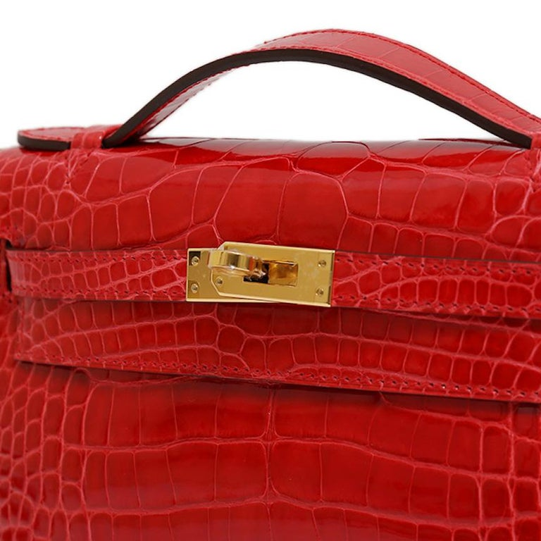 Hermes NEW Kelly Red Alligator Exotic Skin Gold Clutch Top Handle Satchel Bag  In New Condition For Sale In Chicago, IL