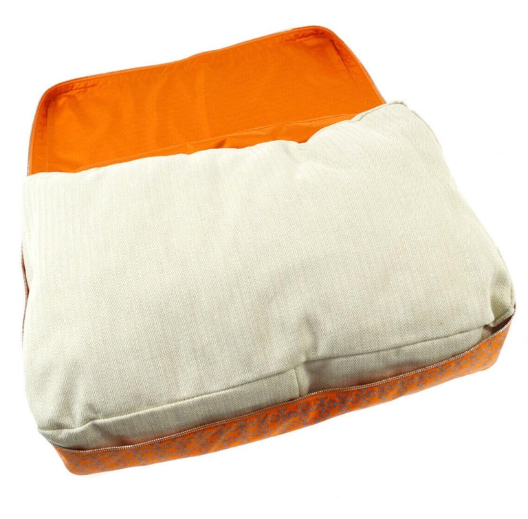 Women's or Men's Hermes NEW Silk Orange Chaine Pattern Chair Bed Sofa Cushion Cover Pillow in Box For Sale