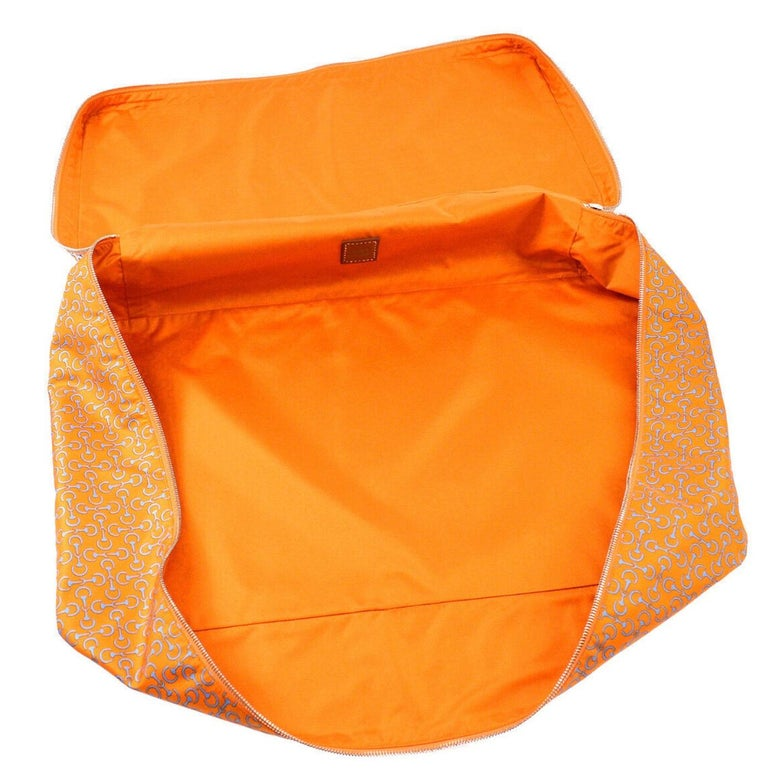 Hermes NEW Silk Orange Chaine Pattern Chair Bed Sofa Cushion Cover Pillow in Box For Sale 1