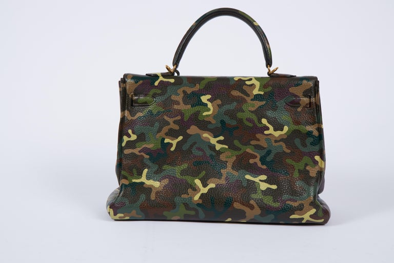 Hermes Olive Green Camouflage Kelly 35 In Excellent Condition In West Hollywood, CA