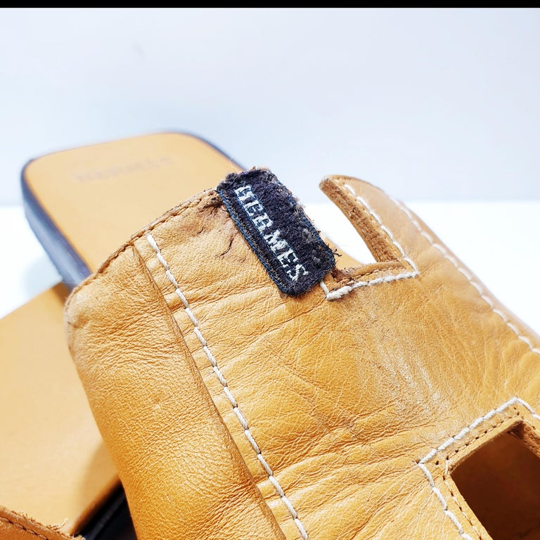 Hermes Oran Leather Slide In Fair Condition For Sale In  Bilbao, ES