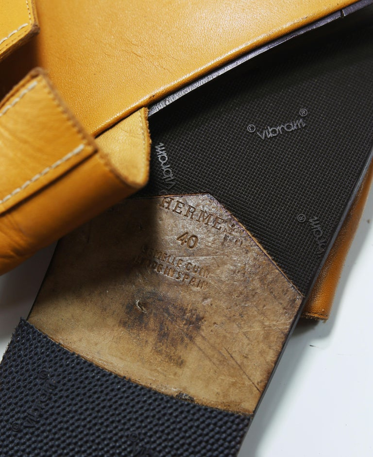 Women's or Men's Hermes Oran Leather Slide For Sale