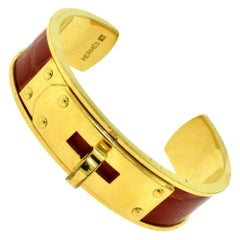 Hermes Orange Alligator Skin in 18 Karat Yellow Gold Kelly Cuff