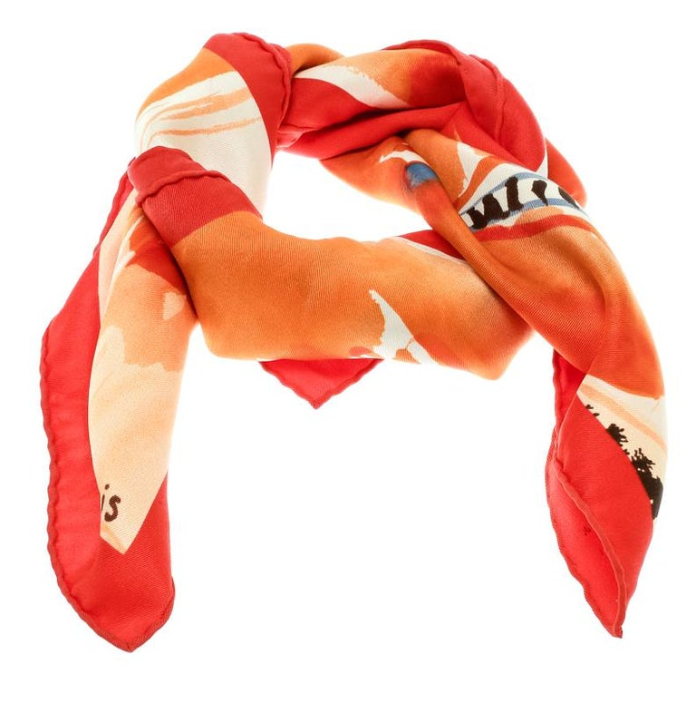 Woven in quality silk, this scarf from Hermes, cut in a square shape, is enhanced with an eye-catchy print all over featuring a scene from the lakeside. It'll be the focal point of your ensemble when paired with smart suits and skirt
