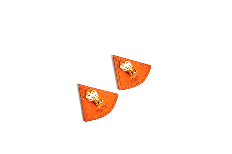 Hermès Orange Swift Triangular Earrings In Excellent Condition For Sale In West Hollywood, CA
