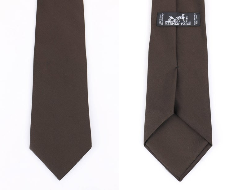 HERMES Paris Solid Dark Brown Silk 5 Fold Necktie Tie  For Sale 1
