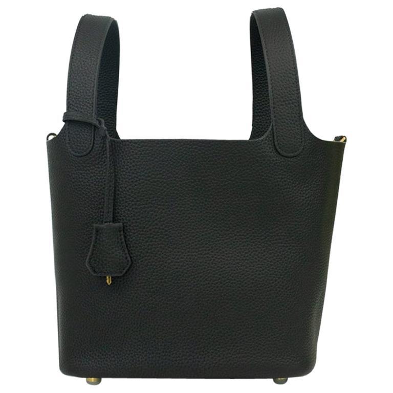 Hermès, Picotin 22 lock in black leather For Sale