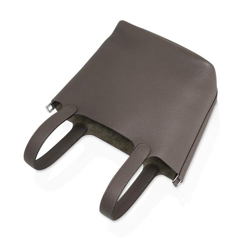 Gray Hermes Picotin Lock 22 Bag MM Etain Palladium Hardware For Sale