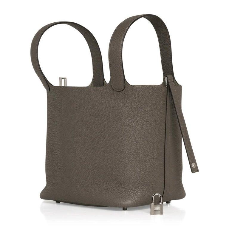 Hermes Picotin Lock 22 Bag MM Etain Palladium Hardware In New Condition For Sale In Miami, FL