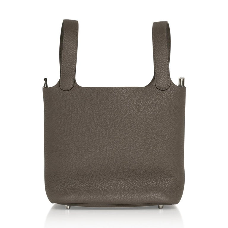 Women's Hermes Picotin Lock 22 Bag MM Etain Palladium Hardware For Sale