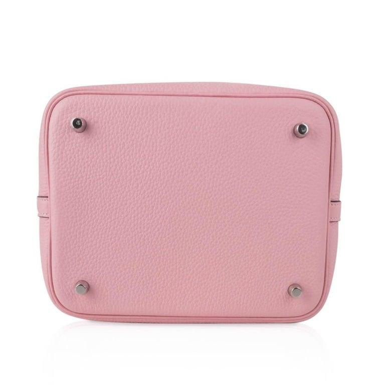 Hermes Picotin Lock 22 Bag MM Rose Sakura Pink Palladium Hardware For Sale 3
