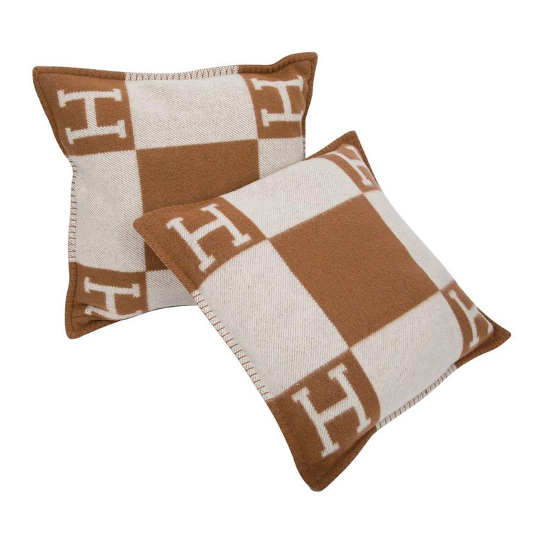 Hermes Pillow Avalon PM Signature H Camel / Ecru Throw Cushion For Sale 1