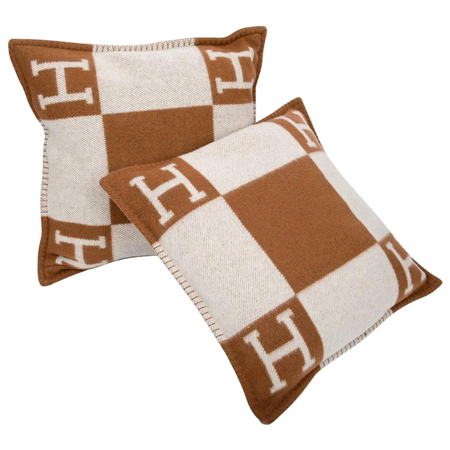 Hermes Pillow Avalon PM Signature H Camel / Ecru Throw Cushion Set of Two New