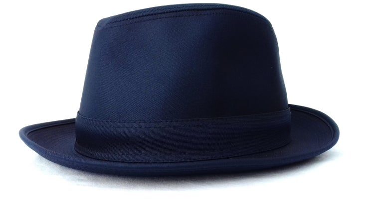 Hermès Polyester Hat Navy Blue S. 55/56 In New Condition For Sale In ., FR