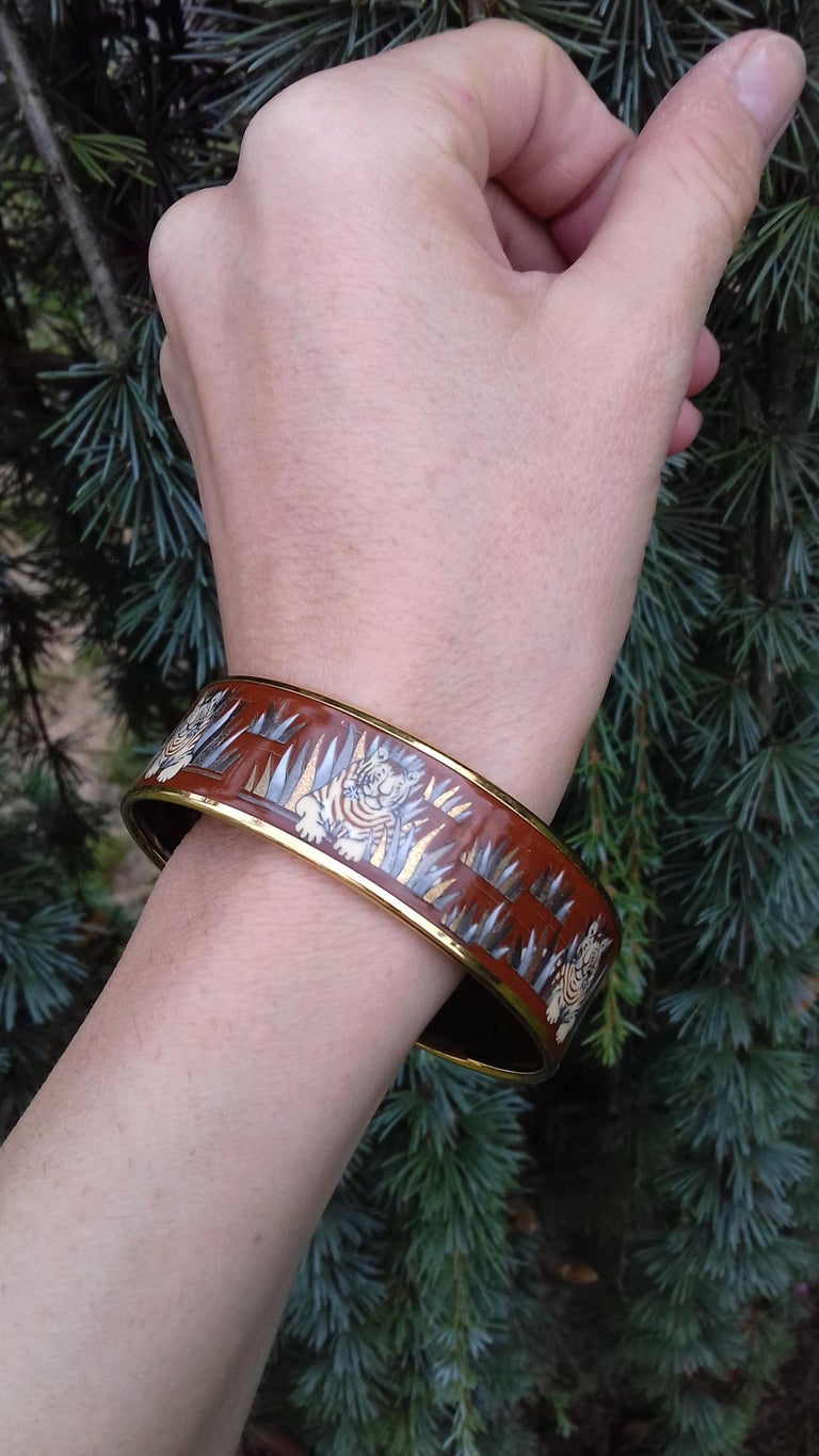 Hermès Printed Enamel Bracelet Tigers in the Herbs Joachim Metz GHW Size 65 RARE For Sale 11