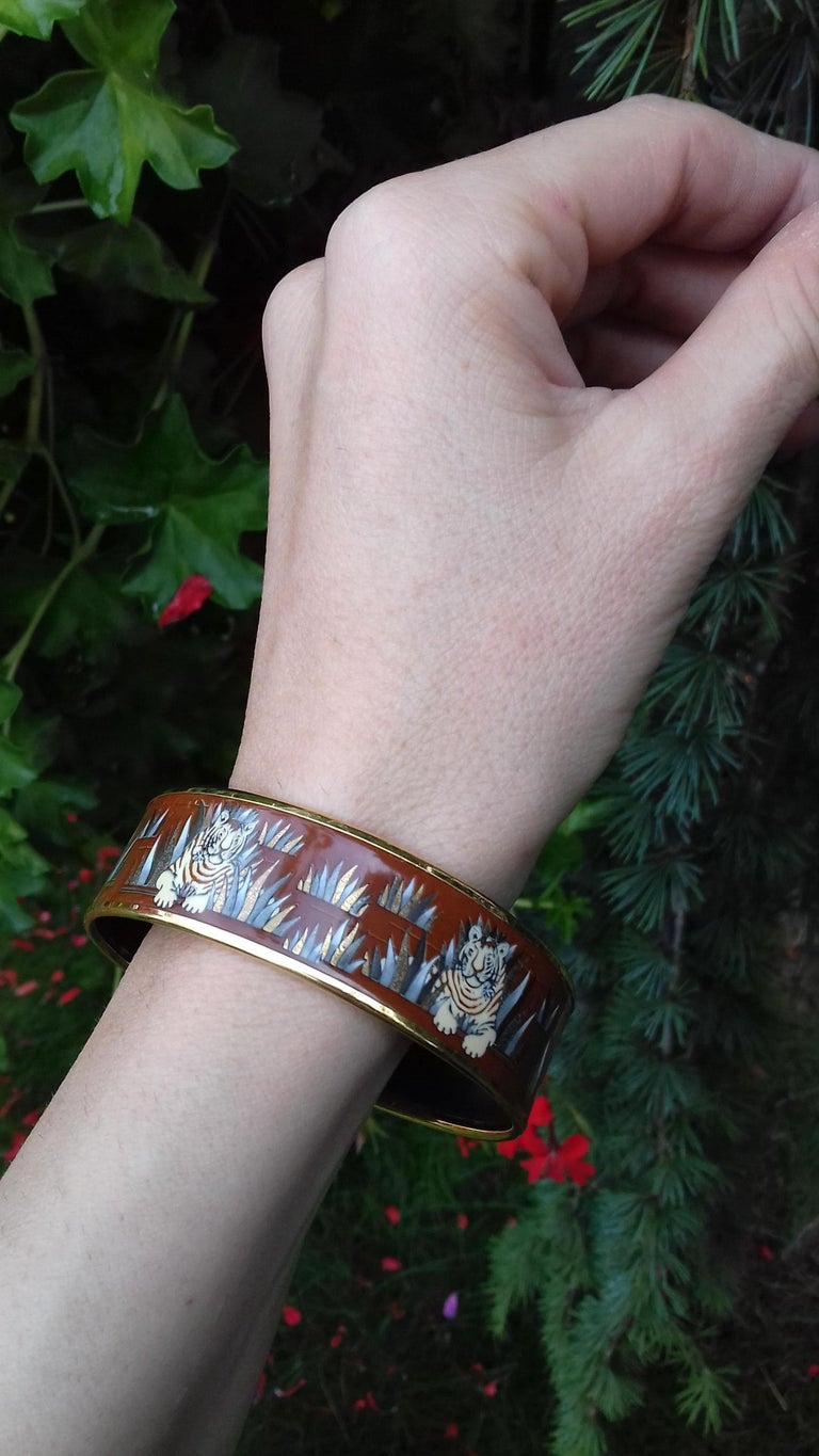 Hermès Printed Enamel Bracelet Tigers in the Herbs Joachim Metz GHW Size 65 RARE For Sale 12