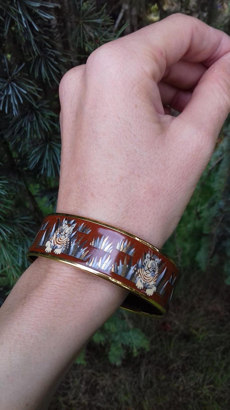 Hermès Printed Enamel Bracelet Tigers in the Herbs Joachim Metz GHW Size 65 RARE For Sale 13