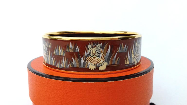 Hermès Printed Enamel Bracelet Tigers in the Herbs Joachim Metz GHW Size 65 RARE In Good Condition For Sale In ., FR