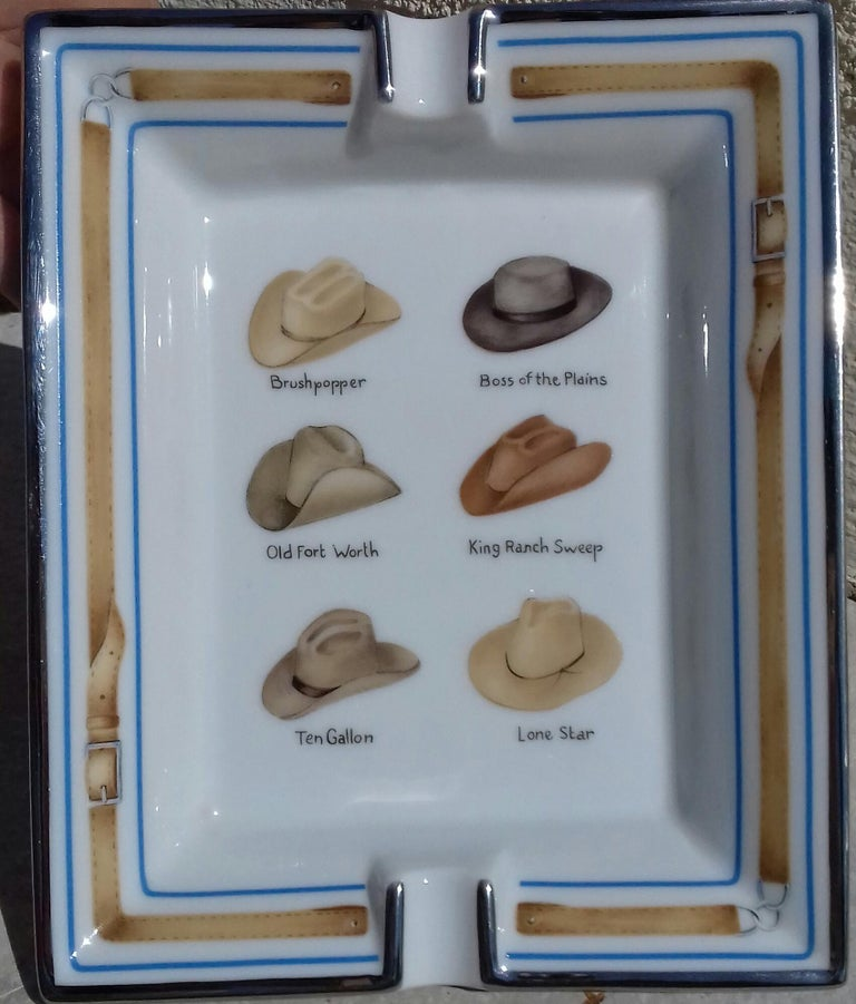Gorgeous and super Rare Authentic Hermès Ashtray  Pattern: Rodeo Texas Theme, wit drawings of 6 cowboy hats (