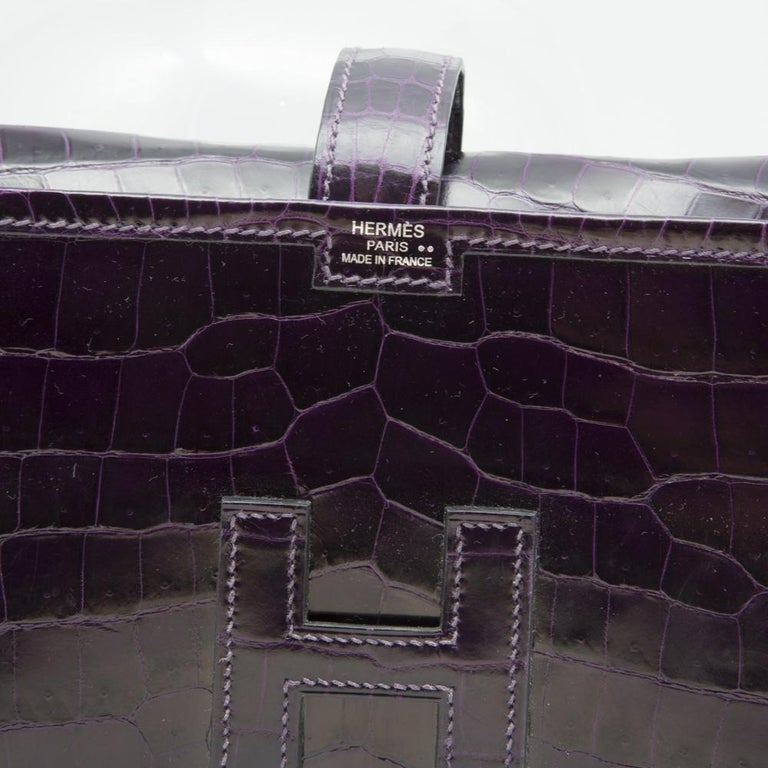 Hermès Prune Niloticus Crocodile Jige PM Clutch Bag In Good Condition For Sale In London, GB