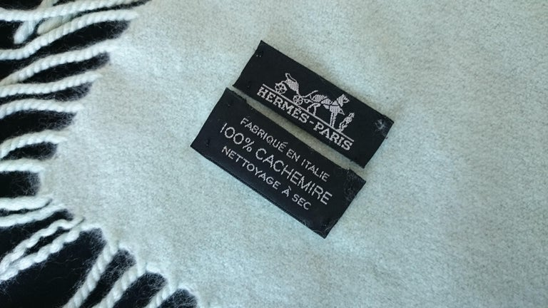 Women's or Men's Hermès Pure Cashmere Blue Stripes Blanket - 110 x 115 cm (43.3 x 45.2 inches) For Sale