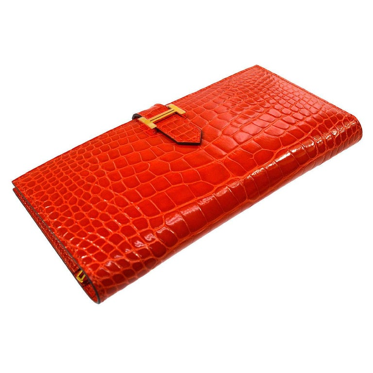 Hermes Alligator Exotic Leather 'H' Logo Gold Evening Clutch Wallet Bag in Box In Good Condition For Sale In Chicago, IL