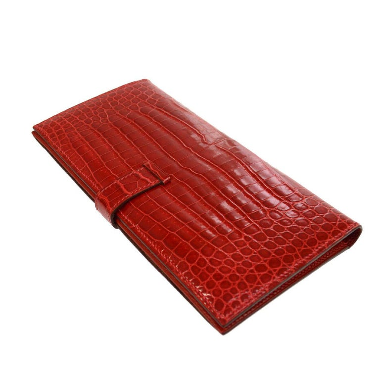 Women's Hermes Red Crocodile Exotic Leather Diamond 'H' Gold Envelope Clutch Wallet For Sale