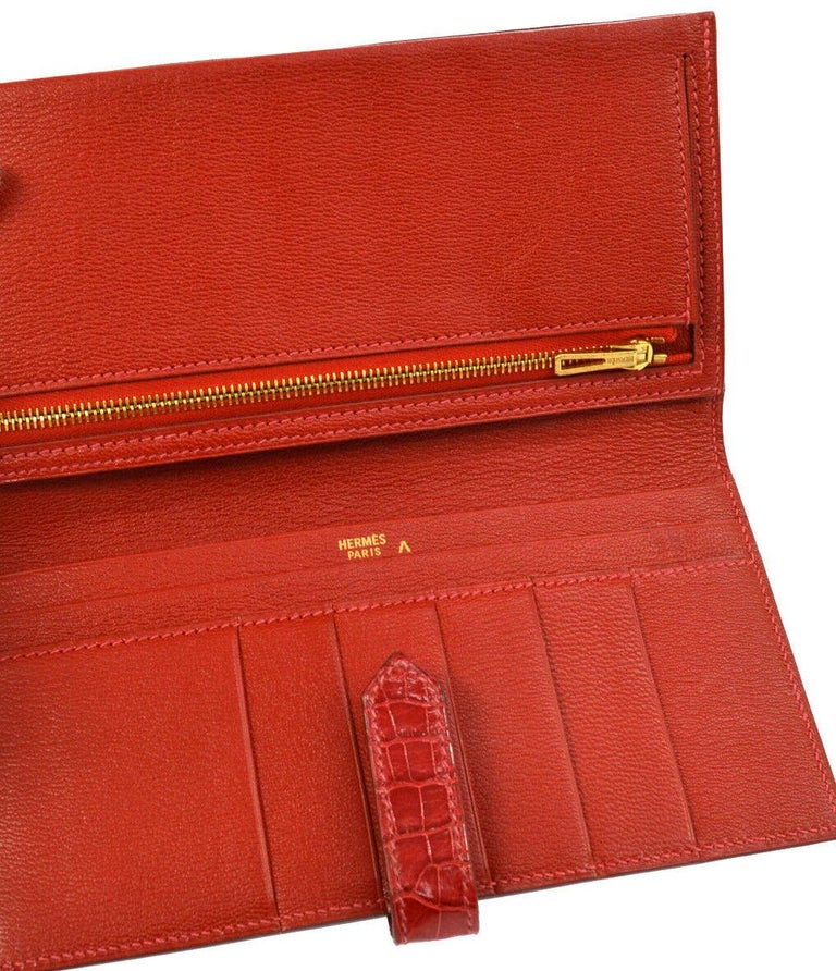 Hermes Red Crocodile Exotic Leather Diamond 'H' Gold Envelope Clutch Wallet For Sale 2