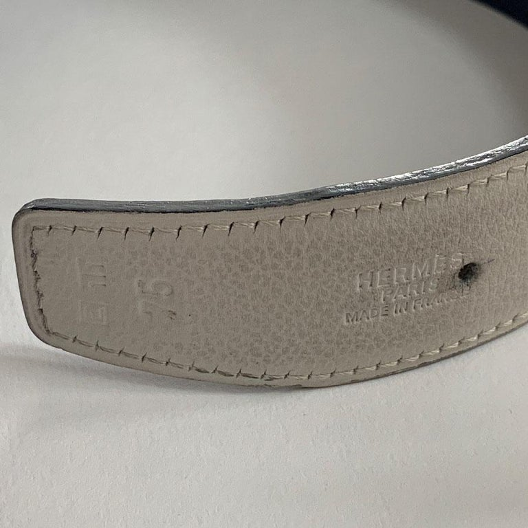 Women's HERMES Reversible Belt in Off-White and Black Color Size 75 For Sale