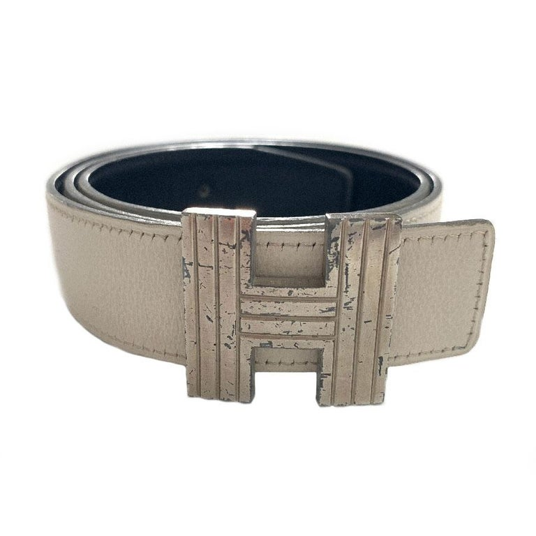 HERMES Reversible Belt in Off-White and Black Color Size 75 For Sale