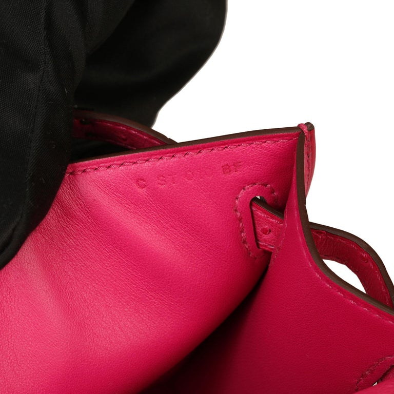Hermès Rose Tyrien Ostrich Leather Kelly Pochette For Sale 4
