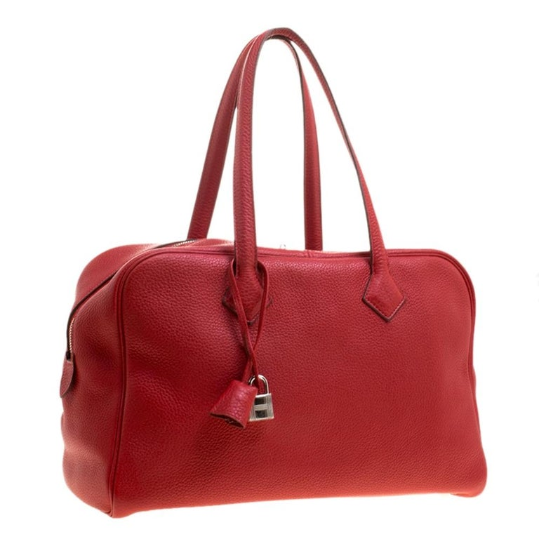 Hermes Rougue Garance Togo Leather Victoria II Bag In Good Condition For Sale In Dubai, Al Qouz 2