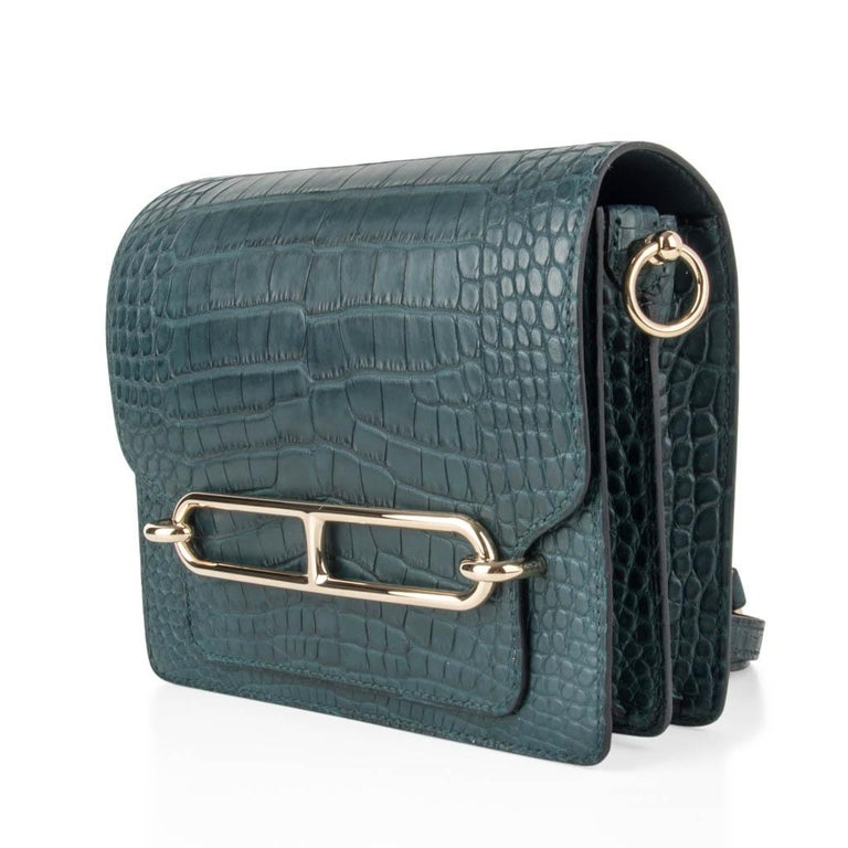 Hermes Mini Roulis Bag Vert Cypress Alligator (Convertible Shoulder / Crossbody) In New Condition For Sale In Miami, FL