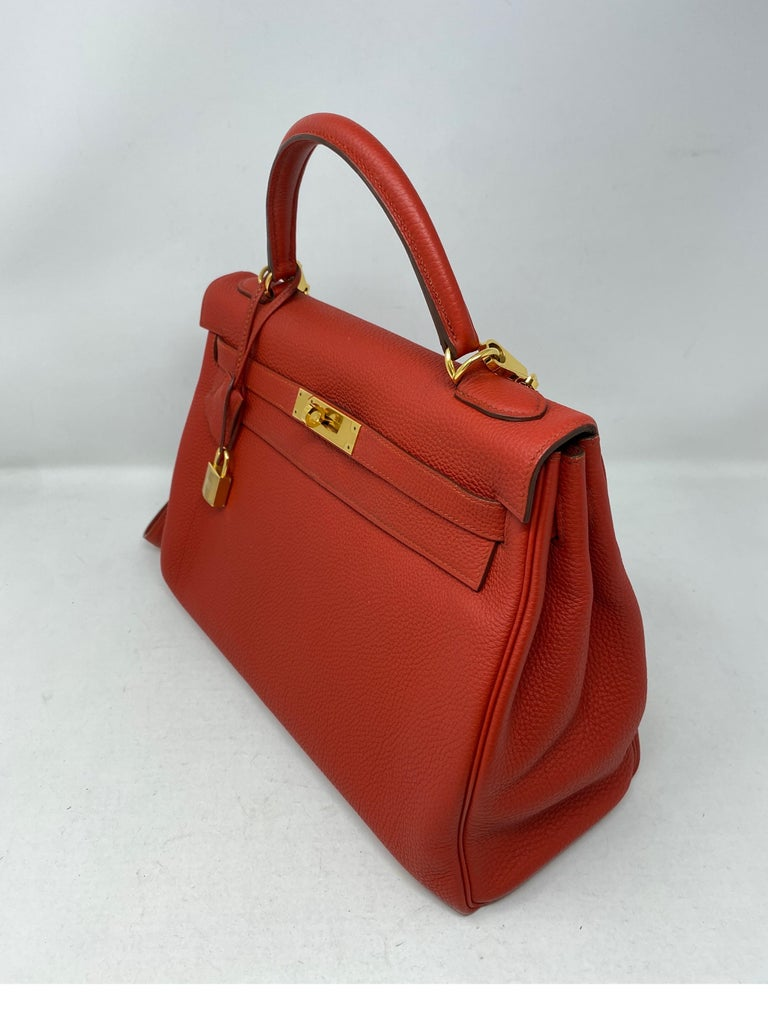 Hermes Sanguine Kelly 32 Bag  In Excellent Condition For Sale In Athens, GA