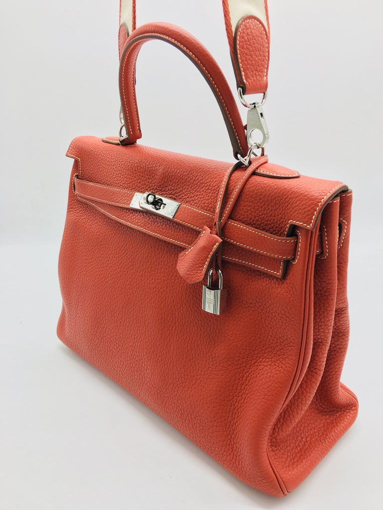 Hermes Sanguine Kelly 35cm in Clemence In Good Condition For Sale In London, GB