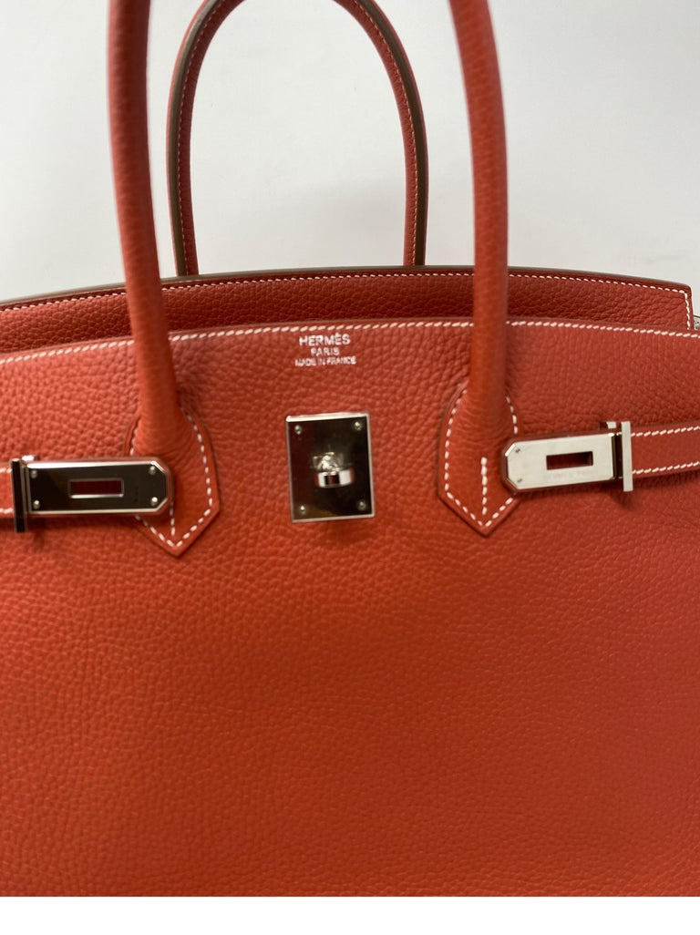 Hermes Sanguine Two Tone Birkin 35 Bag  In Excellent Condition For Sale In Athens, GA