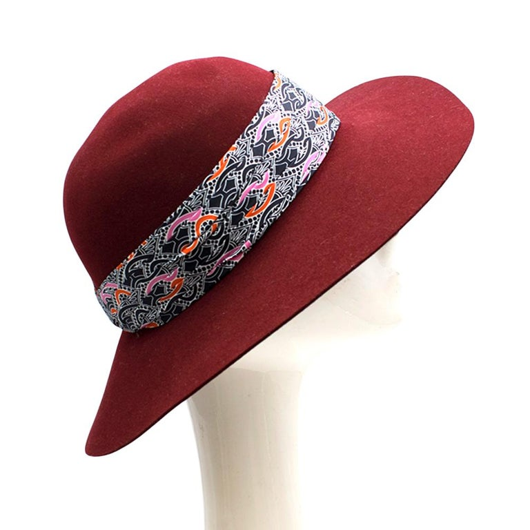 Hermes Scarlett Rabbit Felt Hat  - Rabbit felt hat  - Pleated silk twill with Printed Pattern   Made in Italy  90% Rabbit felt 10% Hare Felt  Outside Trim  100% Silk  Inside Trim  56% Cotton 44% Viscose   Please note, these items are pre-owned and