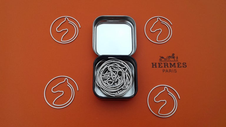 Hermès Set of 19 Paper Clips Shape of a horse's head in Box For Sale 4