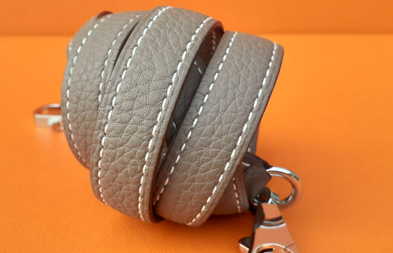 Hermès Shoulder Strap Etoupe Togo Leather Palladium Hardware  In Excellent Condition For Sale In ., FR