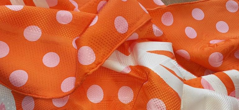 Hermès Silk Scarf Cavalcadour Brides de Gala A Pois Origny Orange Pink 90 cm For Sale 8