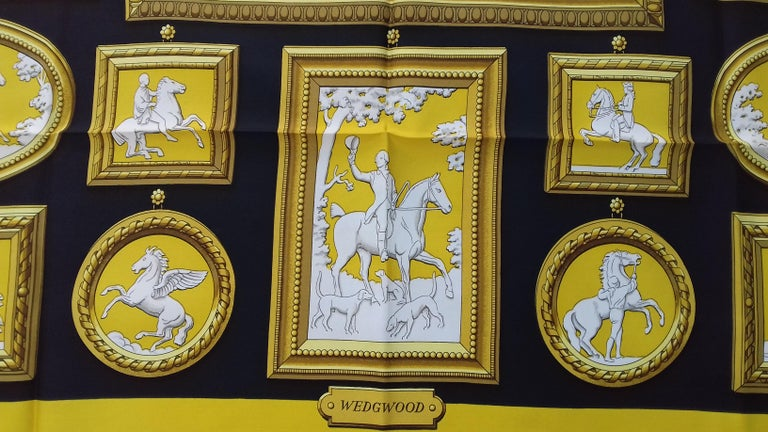 Hermès Silk Scarf WEDGWOOD Ledoux Black Yellow Gold White 90 cm In New Condition In ., FR