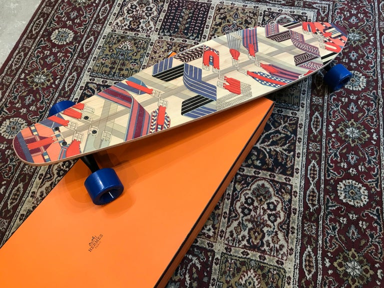 Hermes Skateboard Deck Sangles en zigzag by  Henri d'Origny. In Excellent Condition In Paris, FR