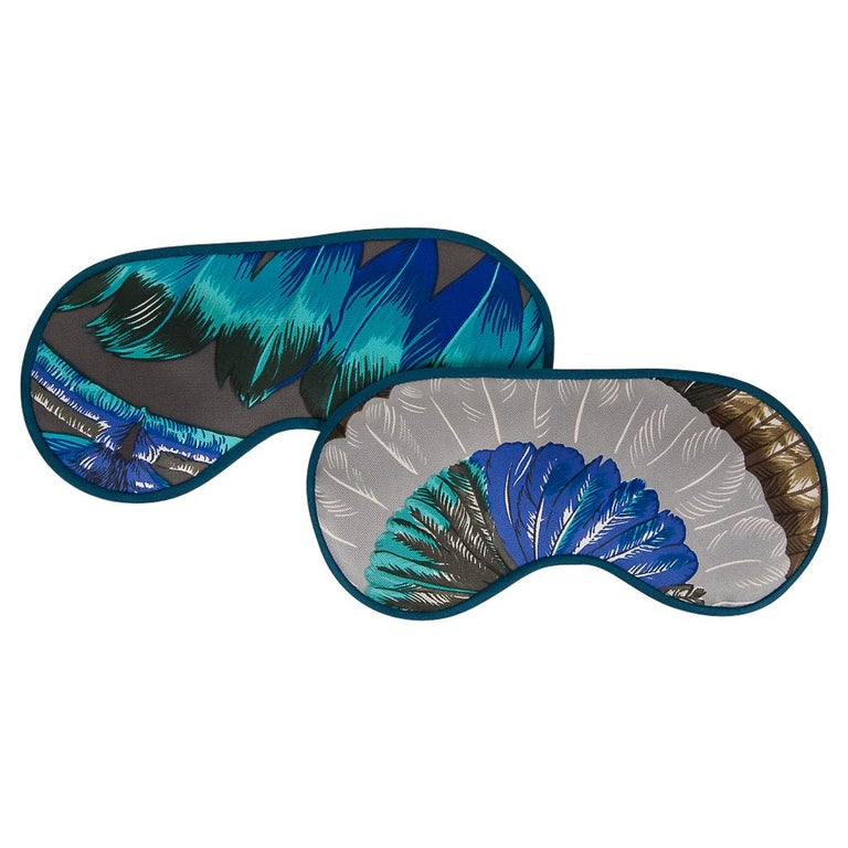 Women's or Men's Hermes Sleep Eye Mask Multicolor Silk Petite h Gray Feather Motif For Sale