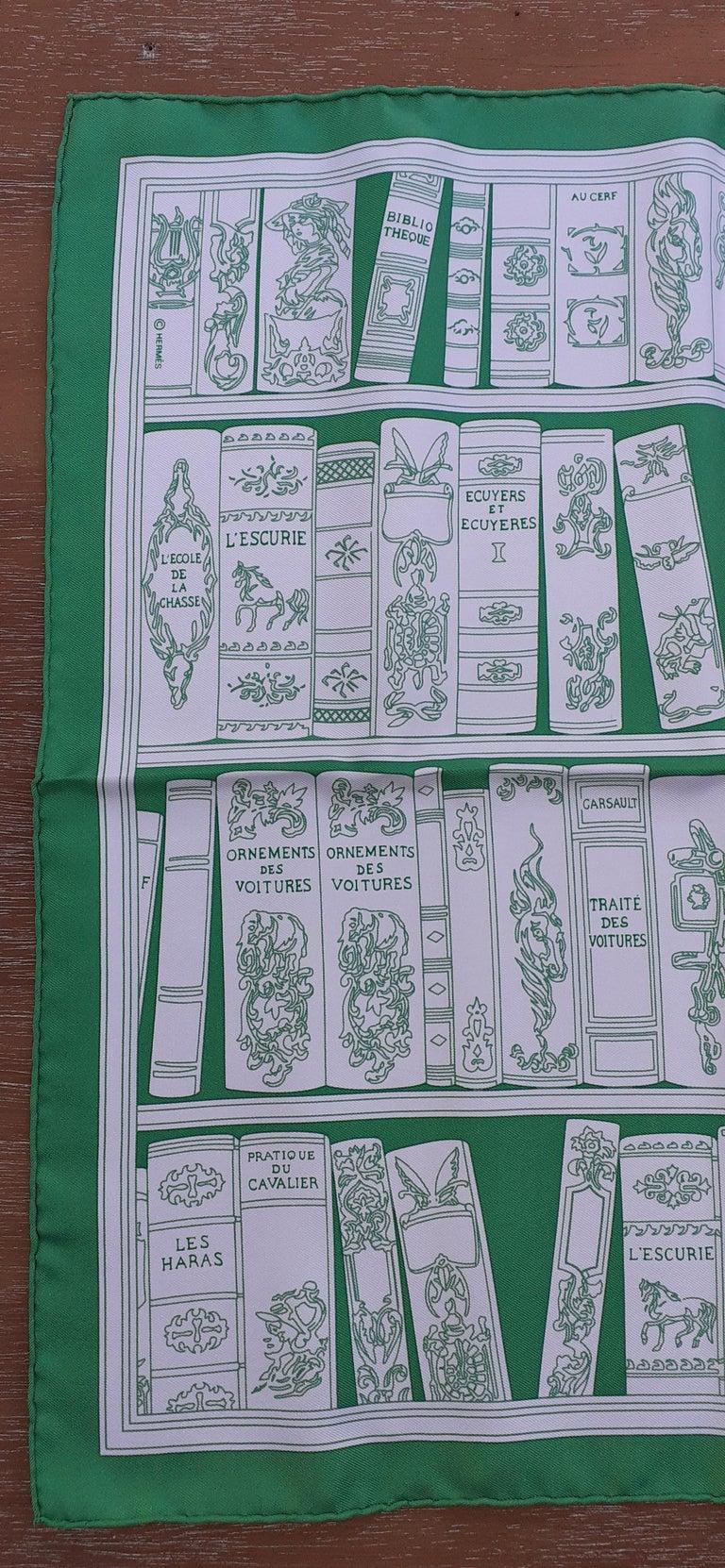 Women's Hermès Small Silk Scarf Gavroche Bibliothèque Books White Green 42 cm