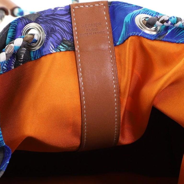 Hermes Soie Cool Handbag Printed Silk and Calfskin Medium For Sale 2