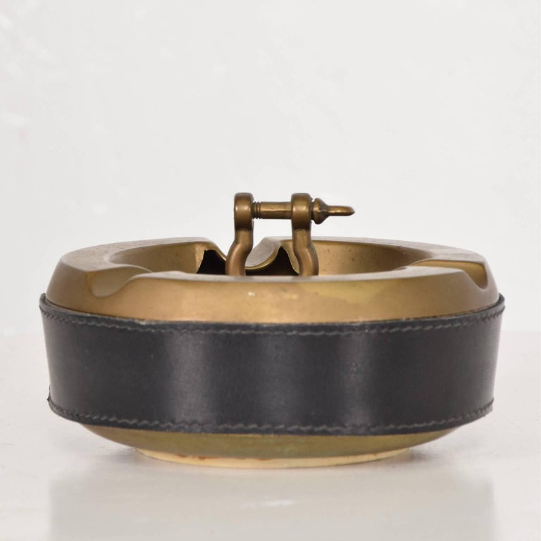 Mid-Century Modern Hermes Style Brass and Leather Ashtray, Italy, 1960s For Sale